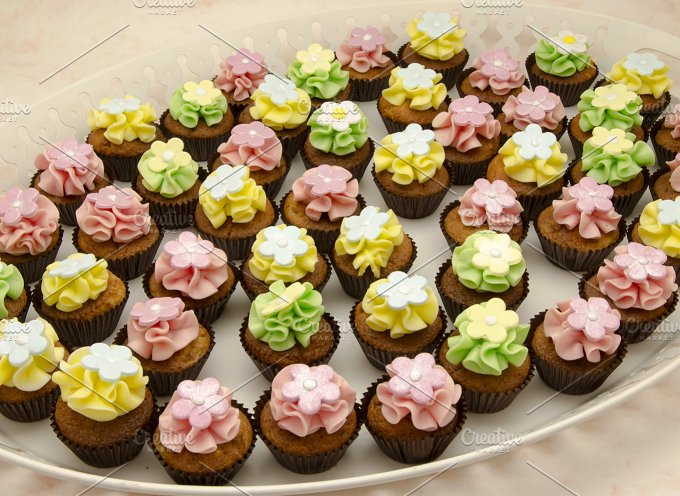 cupcakes (81).jpg - Food & Drink