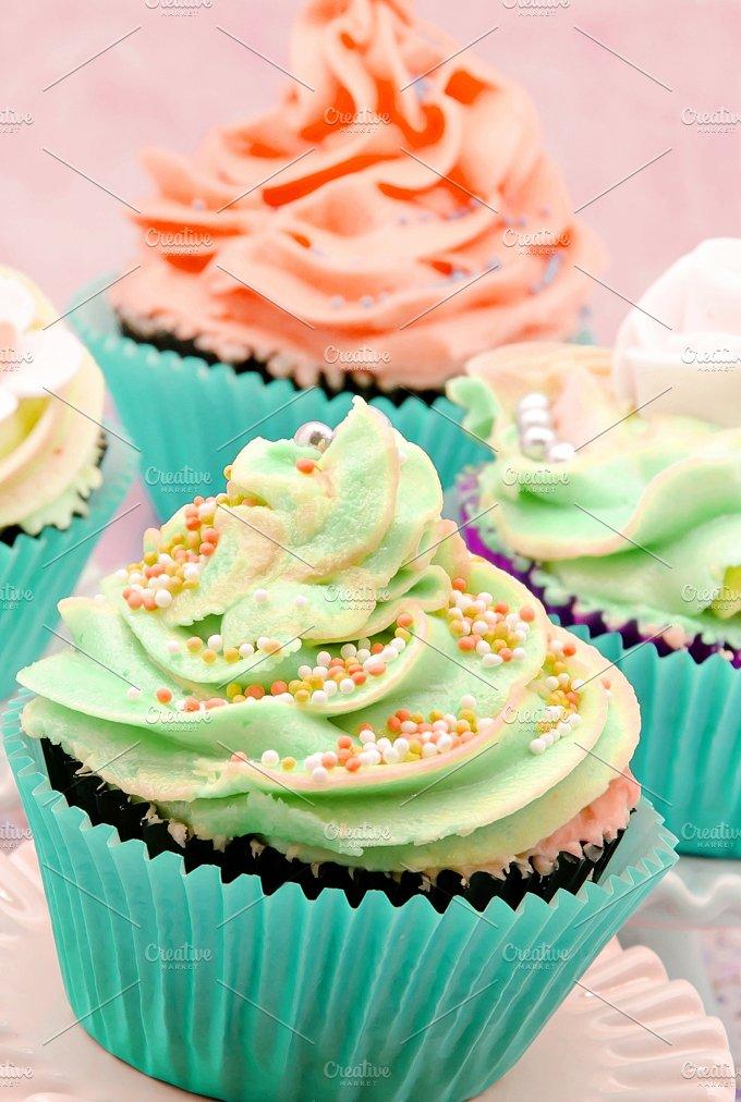 cupcakes decorados con crema (11).jpg - Food & Drink
