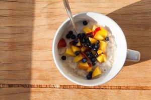 Oat porridge with milk