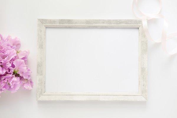 Styled stock photo - flowers & fram…