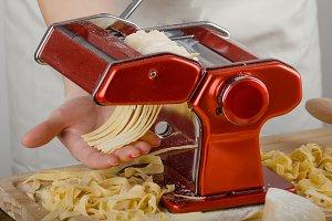 Chef production pasta - Italian pasta grinder