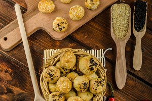 Cheesy Bites with garlic and blue cheese