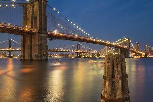 Night view on Manhattan bridges