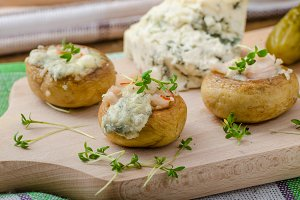 Mushrooms stuffed with cheese