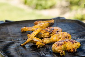 Grilled chicken with yogurt turmeric