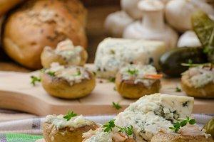 Mushrooms stuffed with cheese
