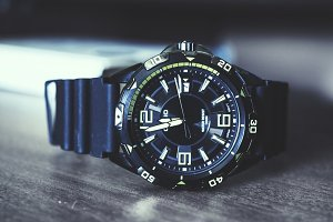 Lying Metallic Watch