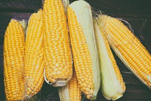 Peeled corn cobs