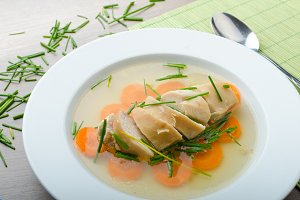 Chicken broth with fresh vegetables