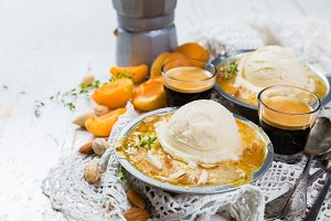 Apricot crumble with vanilla ice cream