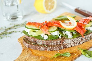 sandwich with smoked salmon