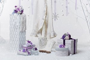 Beautiful bridal accessories for winter wedding