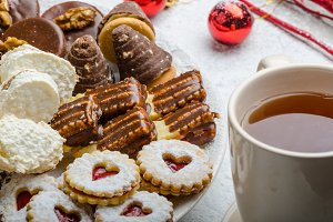 Christmas cookies and fresh tea