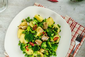 Healthy sping salad with Super Greens