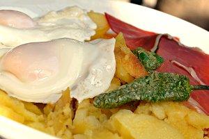 huevos con patatas (2).JPG