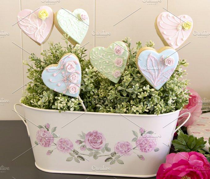 galletas con forma de corazon decoradas (4).jpg - Food & Drink