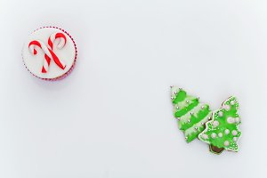 New Year cupcake and cookies