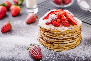 American pancakes with strawberries