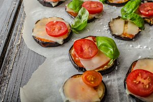 Vegetable mini pizza