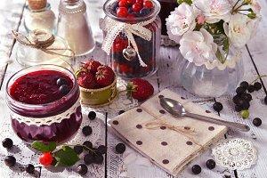 Making berry jam