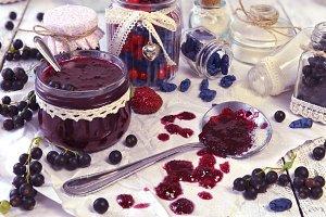 Making jam of black currant