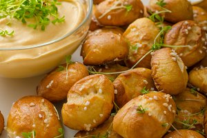 Pretzel rolls with cheese dip