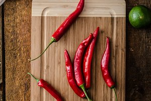 Chilli peppers raw