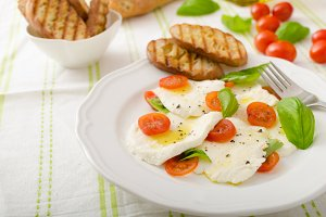 Salad of mozzarella and tomatoes