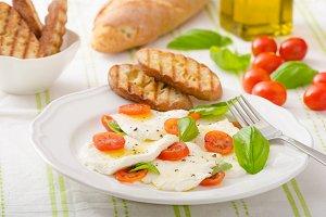 Salad of mozzarella and tomatoes
