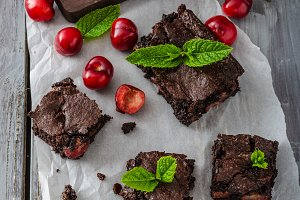Chocolate brownies with cherries