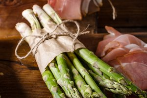 Fresh asparagus with bacon