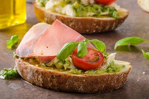 Toasted Tuscan bread with pesto