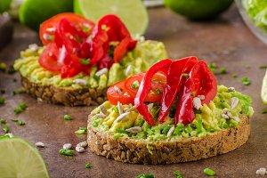 Bio avocado butter bread
