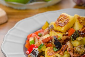 Gnocchi with bacon and vegetable
