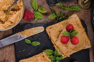 Toast with peanut butter and berries