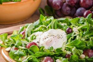 Lamb lettuce salad