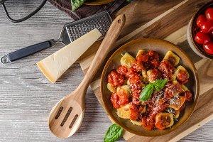 Roasted gnocchi with tomato souce