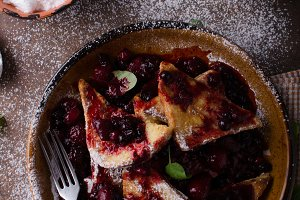 French toast sweet berries