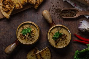 Creamy soup with roasted cauliflower and cabbage