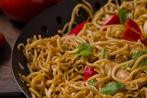 Chinese noodles chicken