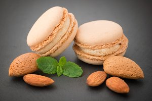 Macaroons with almonds