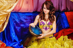 Oriental Beauty plays the tabla