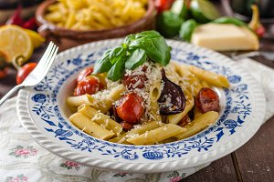 Pasta with baked vegetable