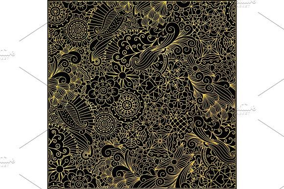 Leaves And Swirls Gold Decorative Pattern