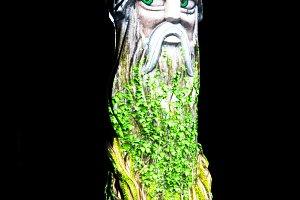 Vertical wood troll backdrop