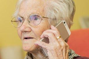 _NIK2335.portrait of a grandmother