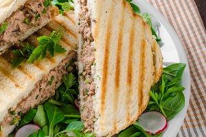 Tuna salad sandwitch