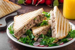 Tuna salad sandwitch