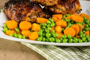 Peas and carrots with chicken