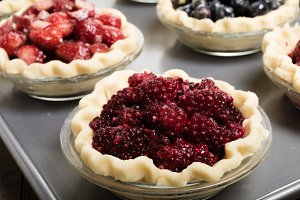 Berry pie filling and crust